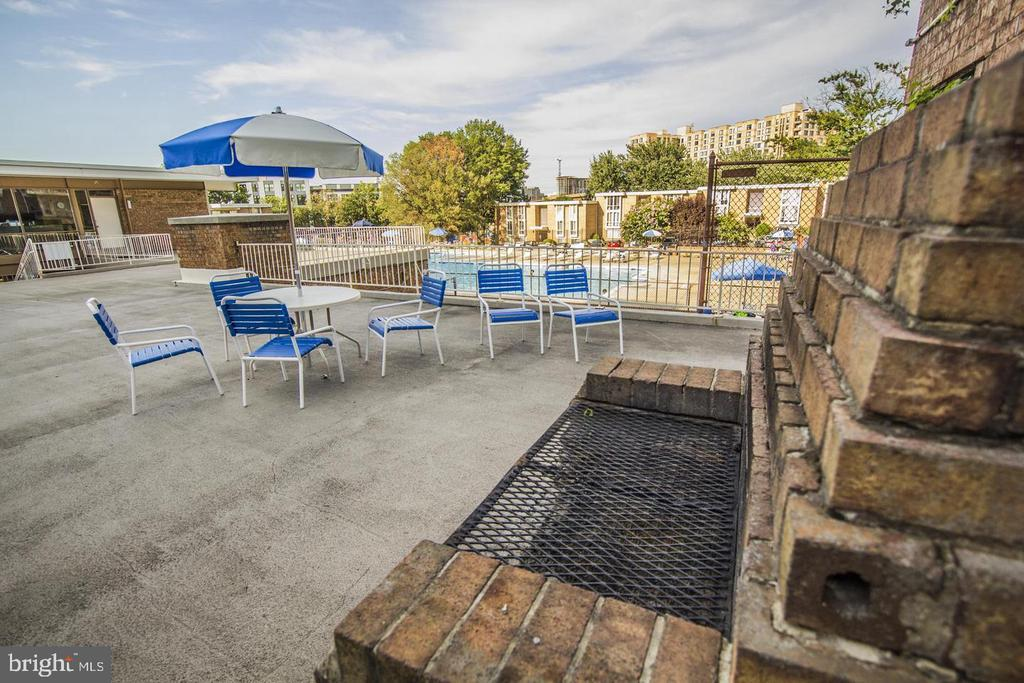 Community Pool - 2605 HUNTINGTON AVE #66, ALEXANDRIA