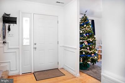 Front hallway - 110 OAK DR #110, STAFFORD