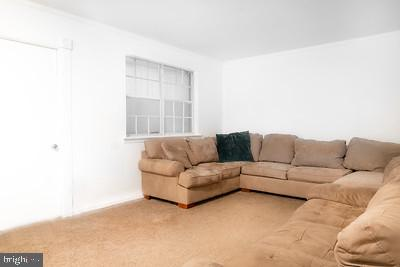 Living room on main floor - 110 OAK DR #110, STAFFORD