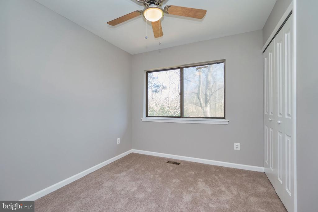 Two additional secondary bedrooms upstairs - 11817 COOPERS CT, RESTON