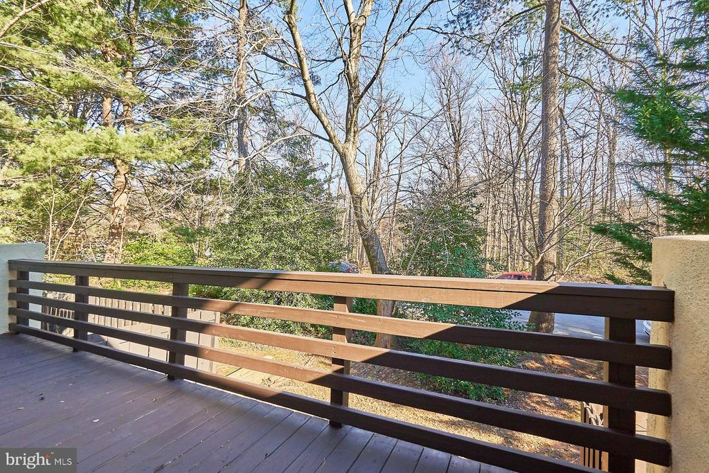 Main level deck - 11817 COOPERS CT, RESTON