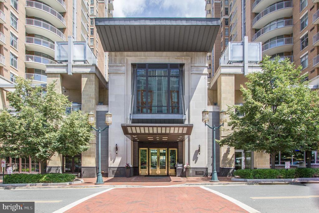 Main Entrance Building - 11990 MARKET ST #1301, RESTON