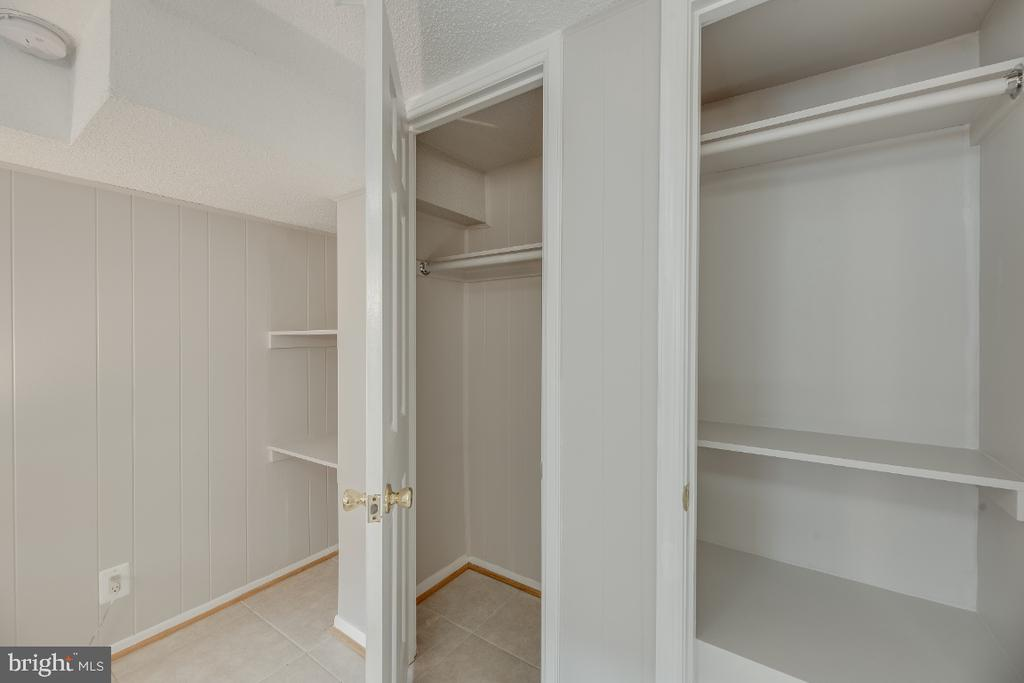 Lots of closets space throughout - 3035 S BUCHANAN ST #A1, ARLINGTON