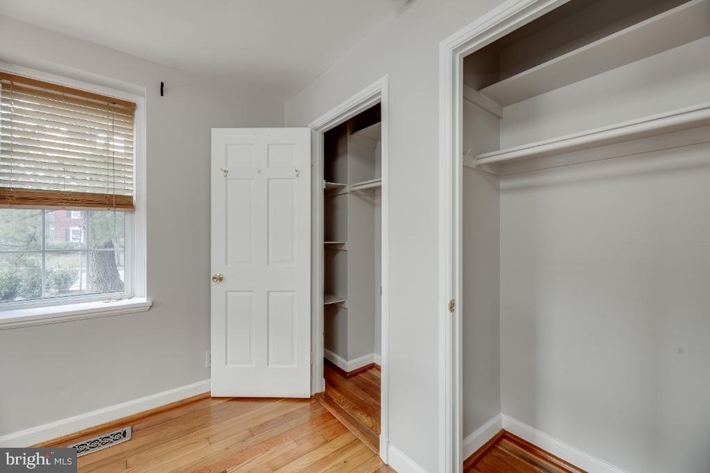 Good closet space - 3035 S BUCHANAN ST #A1, ARLINGTON