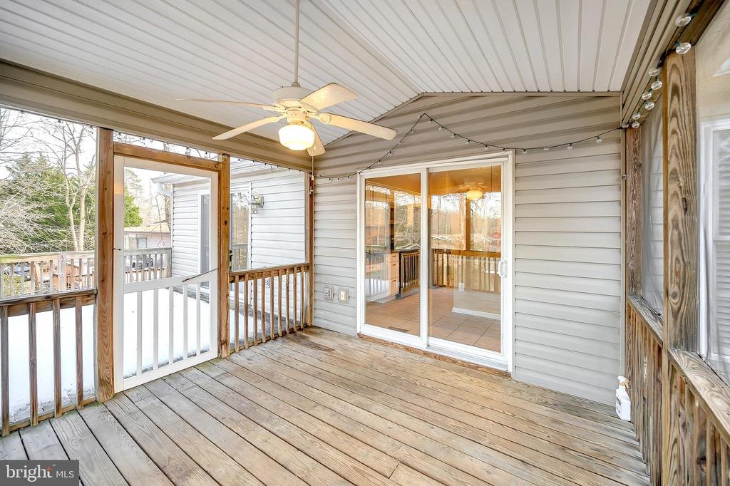 Screened in deck, 1 of 2 decks - 4309 LAKEVIEW PKWY, LOCUST GROVE