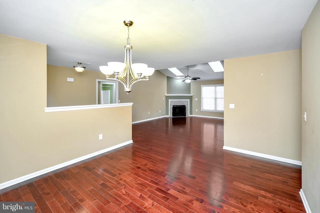 Separate Dining Room with beautiful hardwood floor - 4309 LAKEVIEW PKWY, LOCUST GROVE