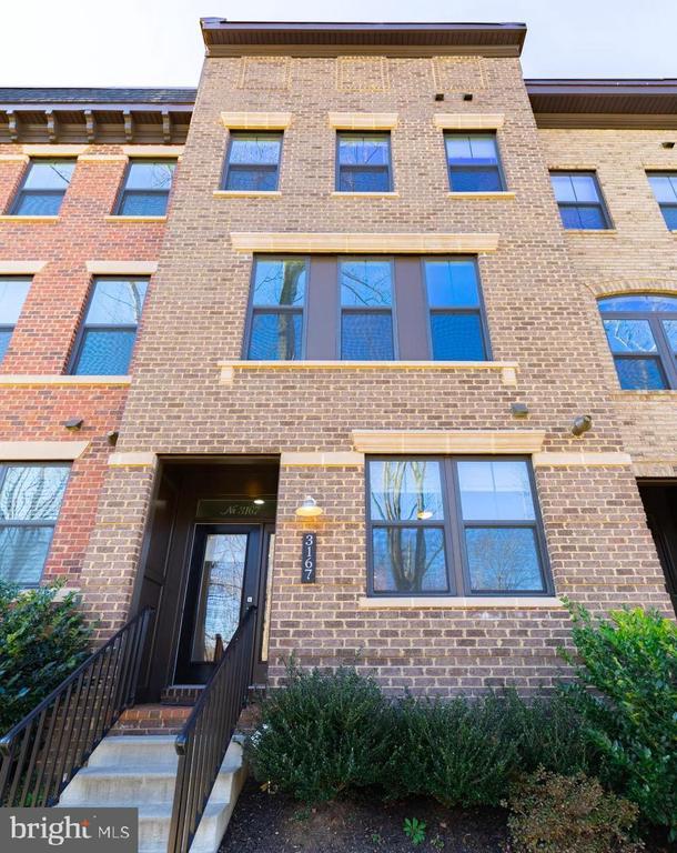4BR, 3.5 BA, 2 Car Gar, Deck plus Rooftop Terrace - 3167 VIRGINIA BLUEBELL CT, FAIRFAX