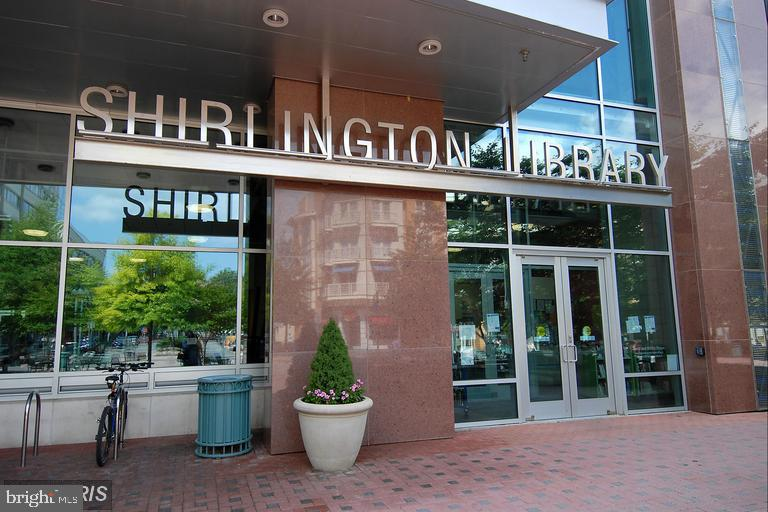 Shirlington Library - 3035 S BUCHANAN ST #A1, ARLINGTON