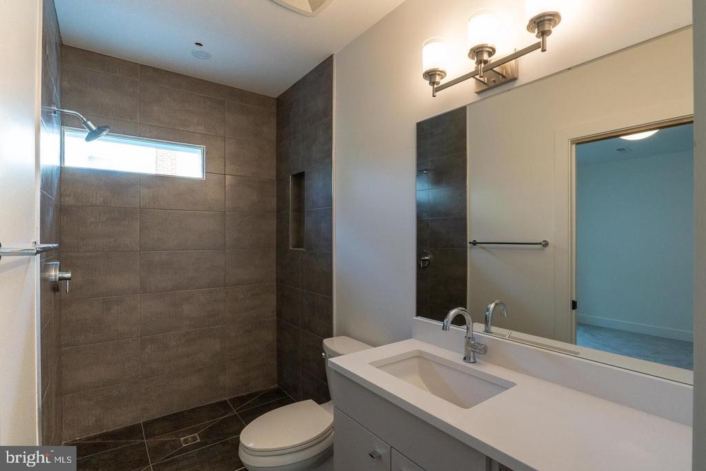Basement bath - 110 TAPAWINGO RD SW, VIENNA