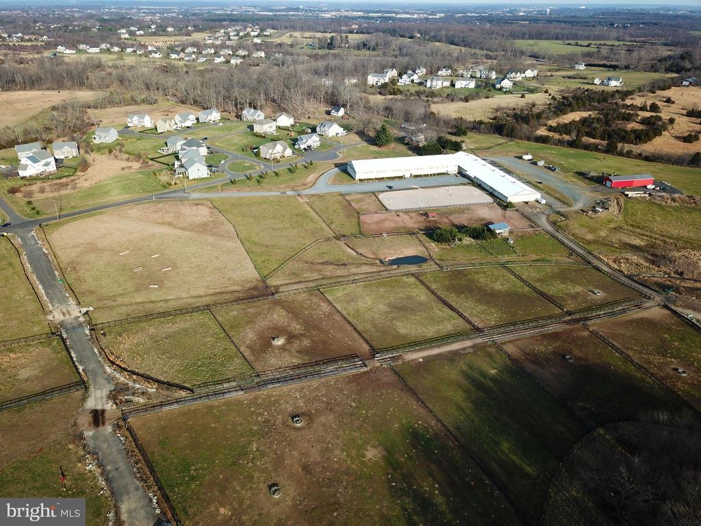Beautiful 60+ acres yet only 4 miles to Leesburg - 19876 RIDERS SUCCESS LANE LN, LEESBURG