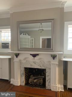 Charming dining room fireplace - 611 CAROLINE ST, FREDERICKSBURG