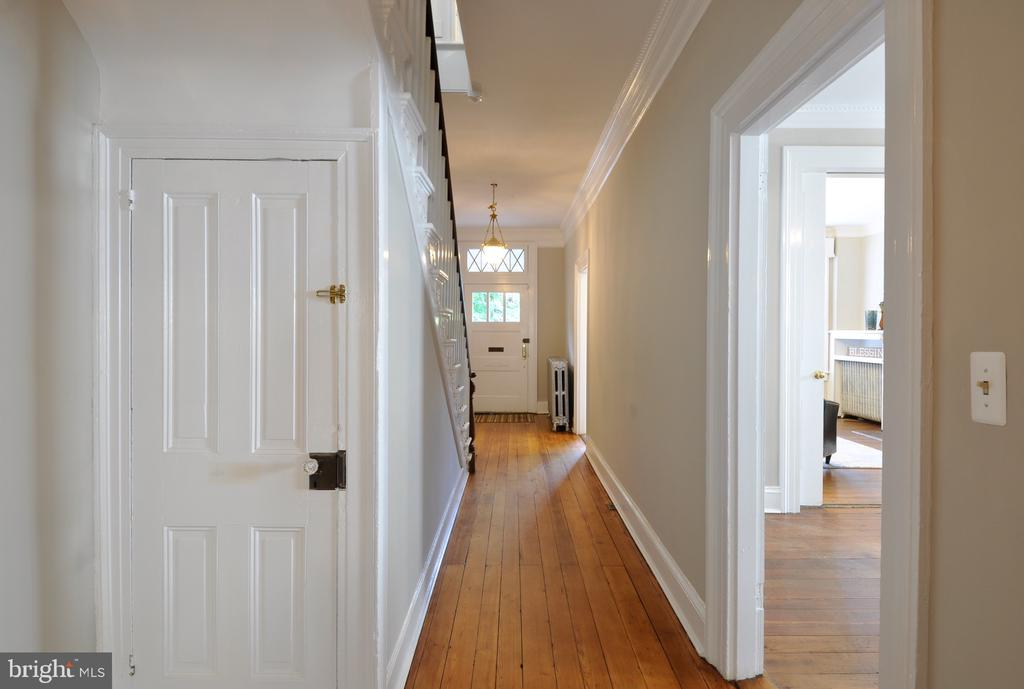 Landing 2nd floor - 611 CAROLINE ST, FREDERICKSBURG