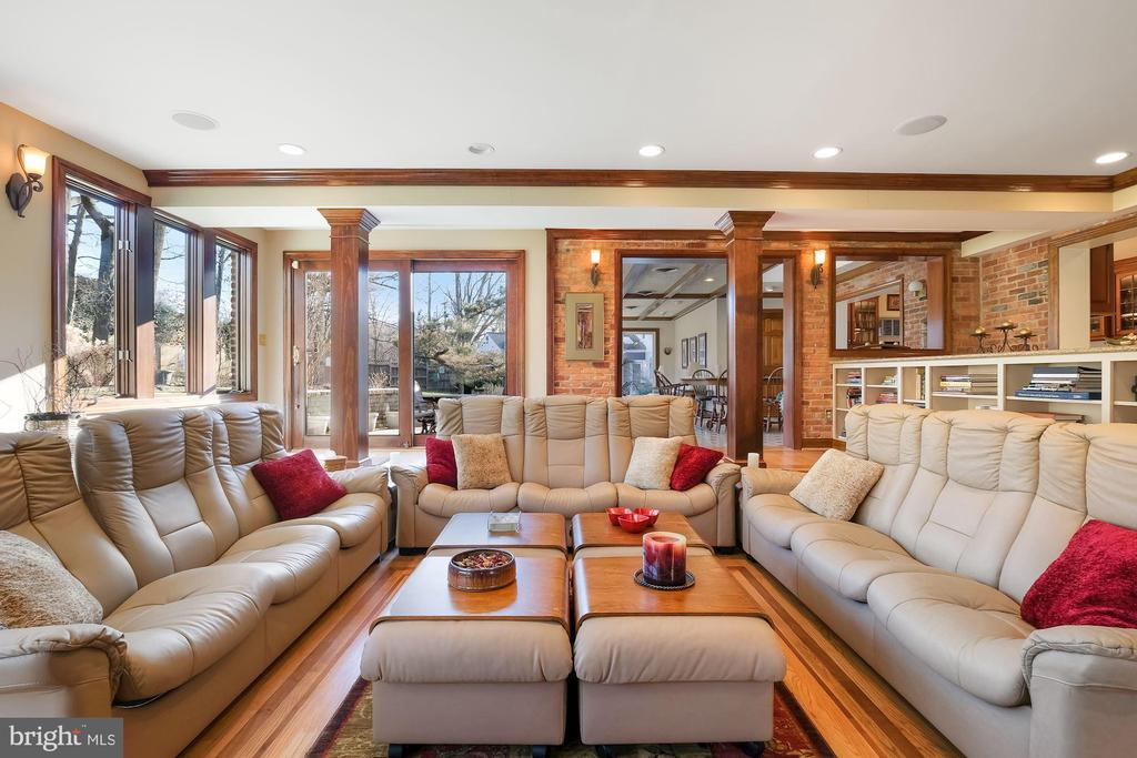 Family room addition - 5707 ROSSMORE DR, BETHESDA