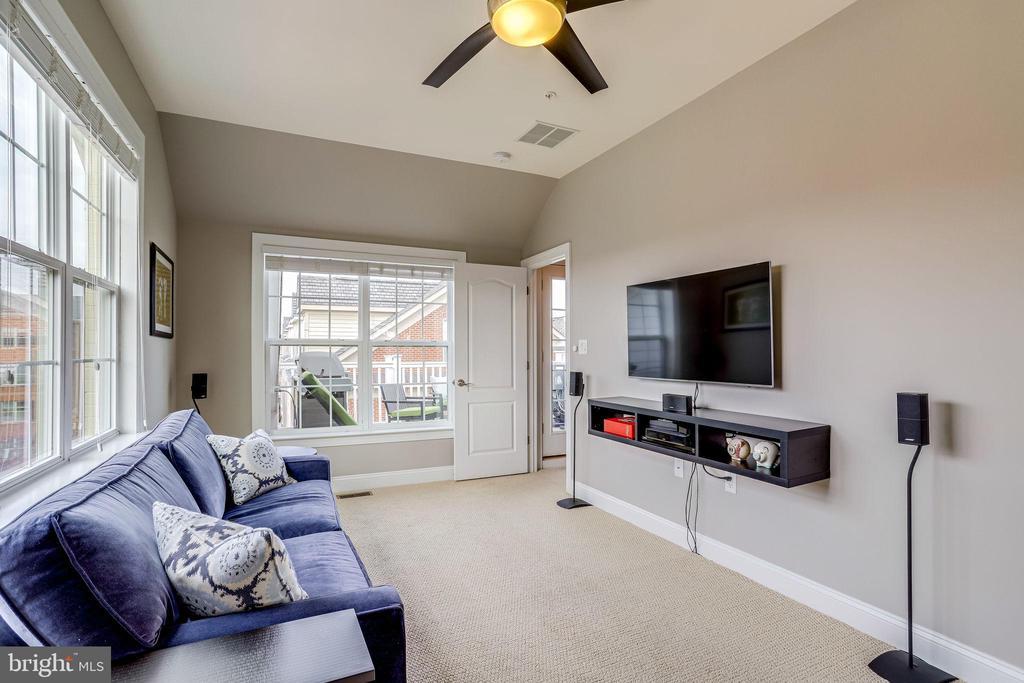 4th bedroom or family room - 4349 4TH ST N, ARLINGTON
