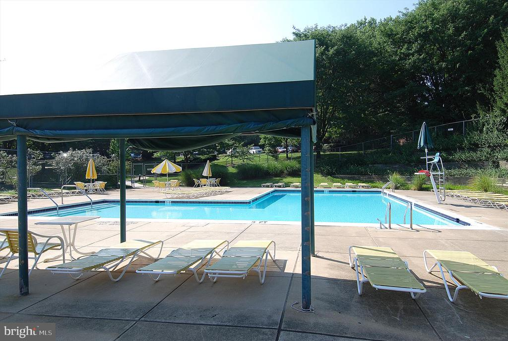 Pool - 2100 LEE HWY #117, ARLINGTON