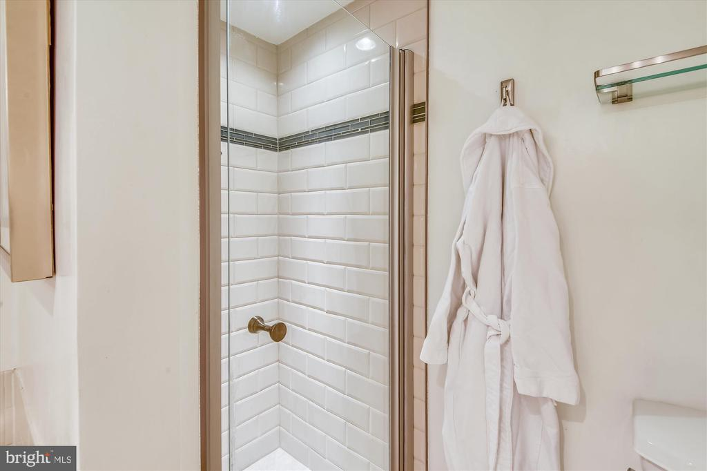 Renovated Shower in Primary Bath - 2100 LEE HWY #117, ARLINGTON