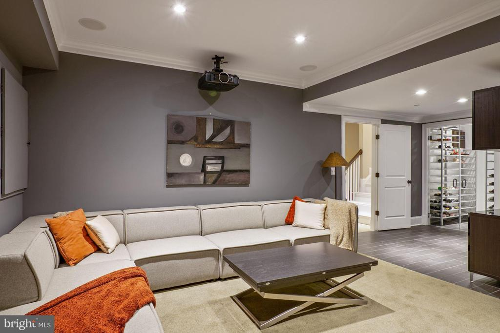 Home media room - 491 N WAKEFIELD ST, ARLINGTON