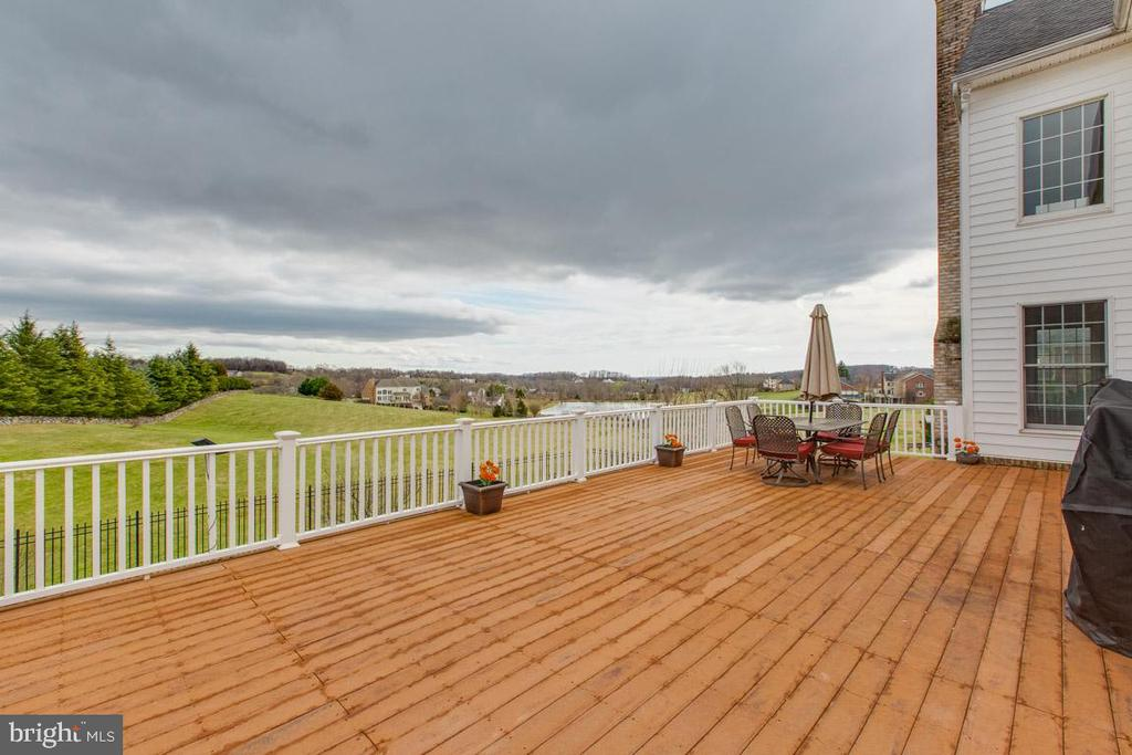 Alt view of large trex deck - 41205 CANONGATE DR, LEESBURG