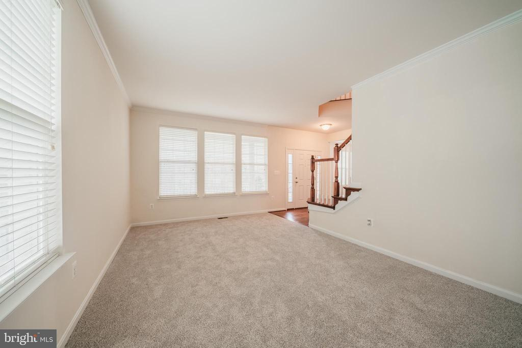 FORMAL LIVING RM 3 - 2944 AMERICAN EAGLE BLVD, WOODBRIDGE