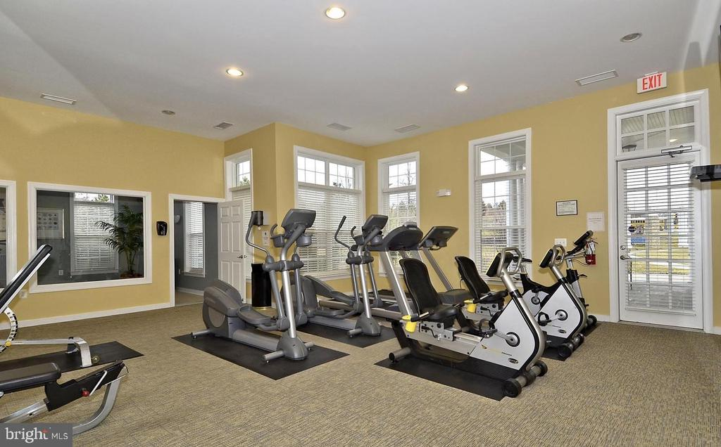 CLUBHOUSE FITNESS CENTER 2 - 2944 AMERICAN EAGLE BLVD, WOODBRIDGE