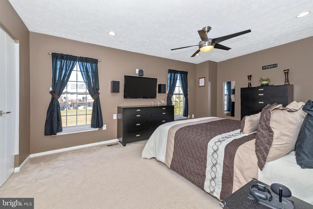 - 4998 PINTAIL CT, FREDERICK