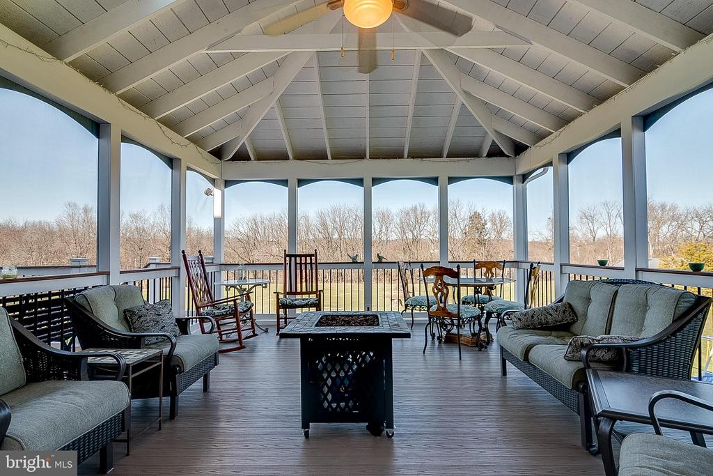 Enjoy sunsets from the screened porch - 42070 SADDLEBROOK PL, LEESBURG
