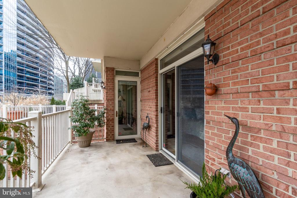 Both Bedrooms Have Terrace Access - 1555 N COLONIAL TER #100, ARLINGTON