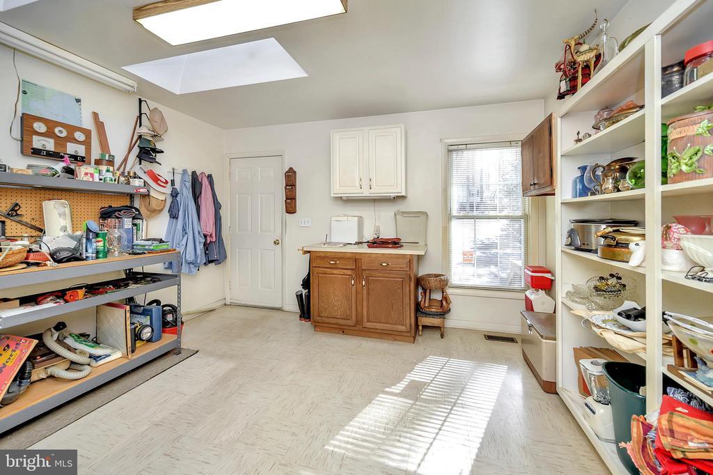 walk thru craft & pantry room - 116 WASHINGTON ST, LOCUST GROVE