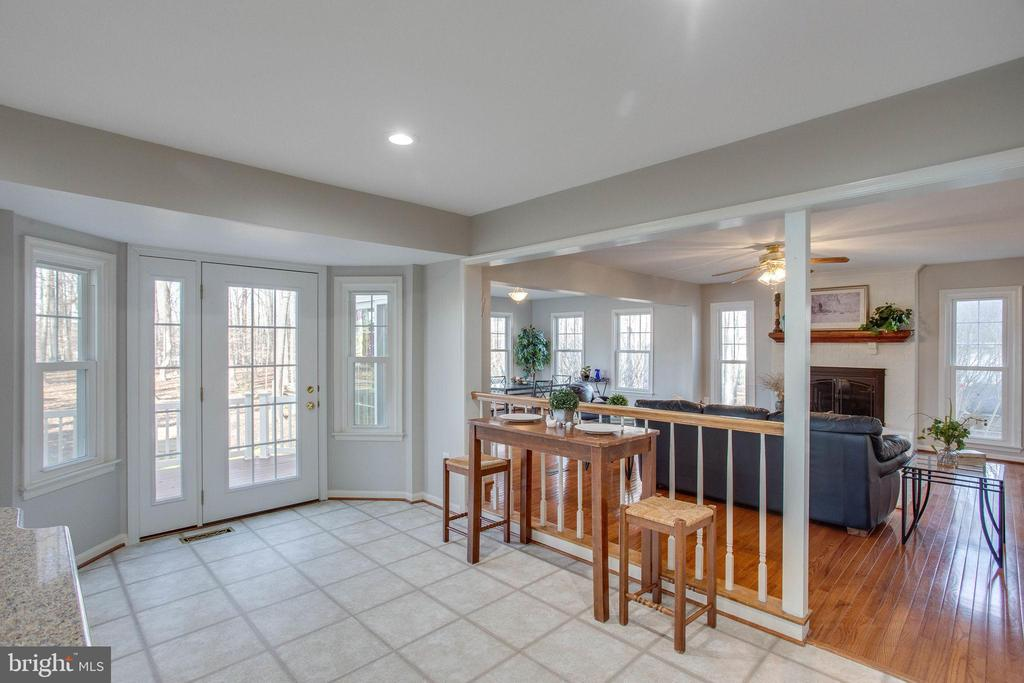 Ample space for breakfast dining - 4510 MARQUIS PL, WOODBRIDGE