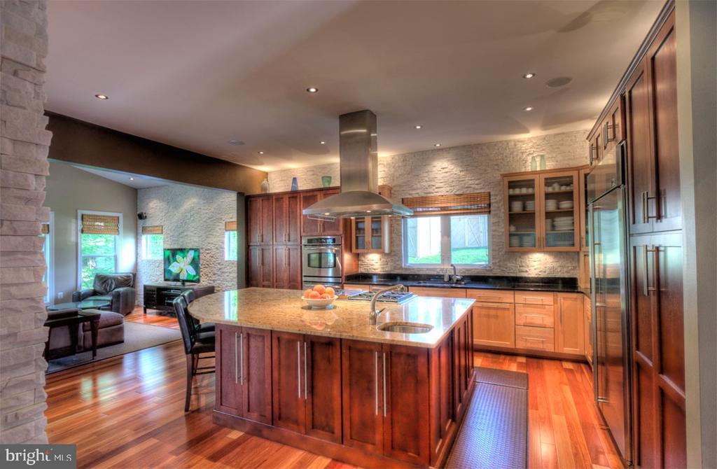 Kitchen - 206 GREENHOW CT SE, LEESBURG