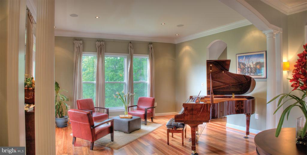 Living room or music room - 206 GREENHOW CT SE, LEESBURG