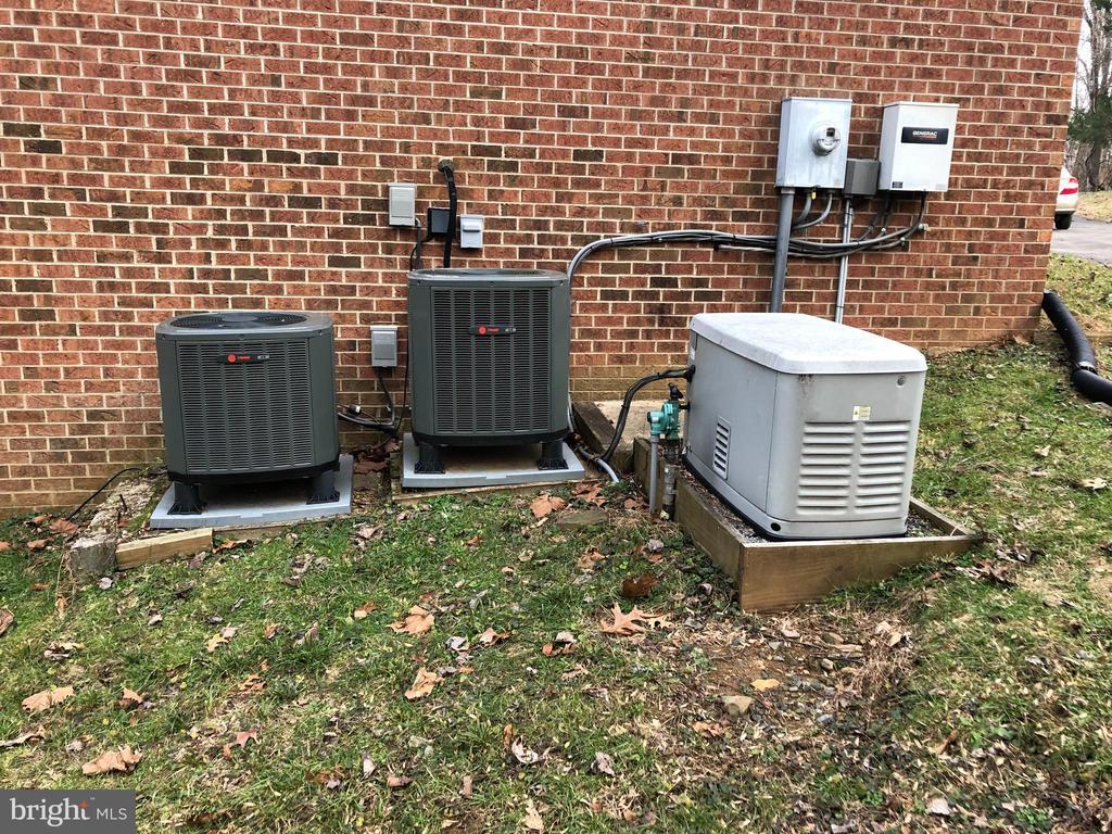 20 Kilo Watt generator and 2 A/C units - 38365 GOOSE CREEK LN, LEESBURG