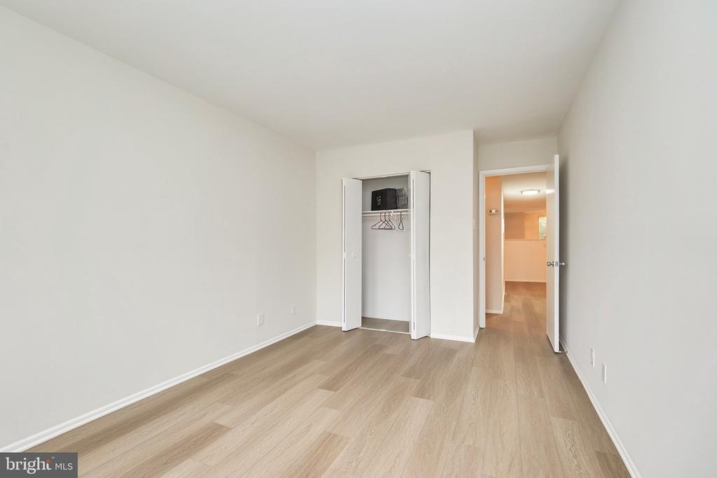 Bedroom #2 with Large Closet. - 5009 7TH RD S #102, ARLINGTON