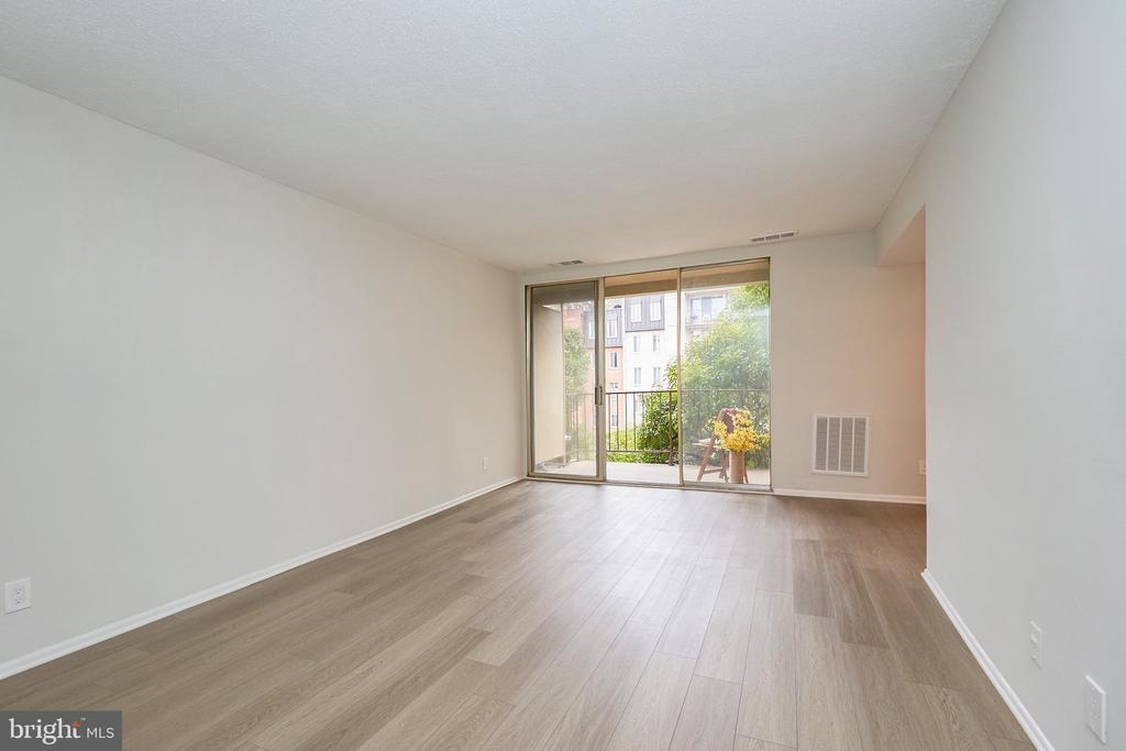 Picture View with Sliding Glass Doors. - 5009 7TH RD S #102, ARLINGTON