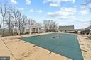 Large In-ground Swimming Pool - 40543 COURTLAND FARM LN, ALDIE