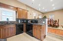 Guest House Kitchen - 40543 COURTLAND FARM LN, ALDIE