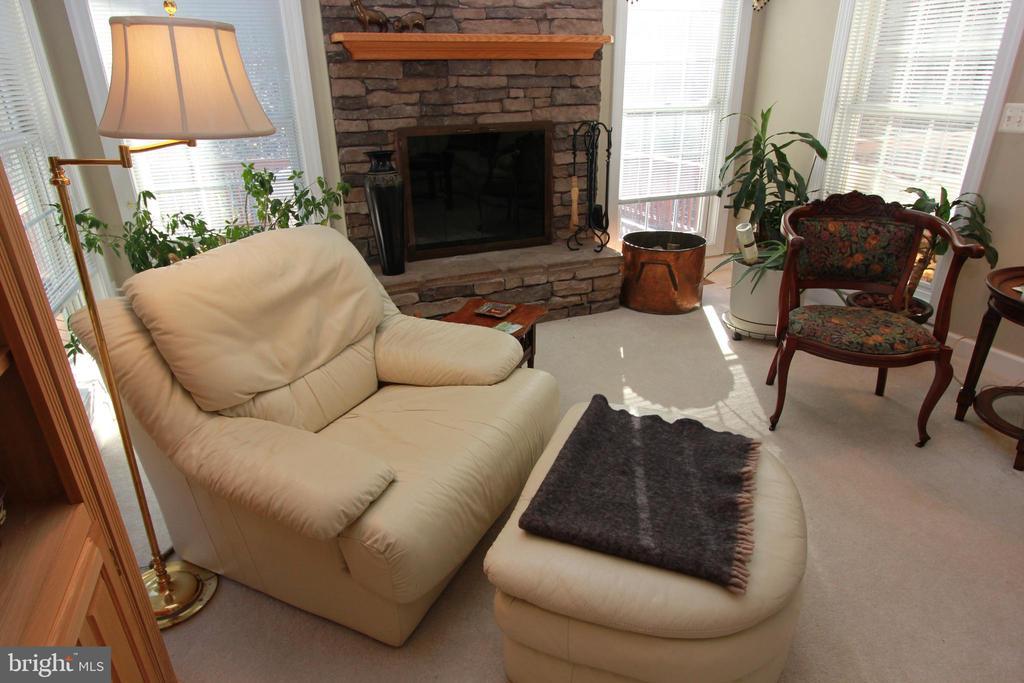 Family Room - 6951 JEREMIAH CT, MANASSAS