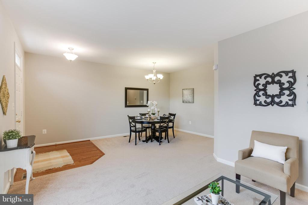 Living Room to Dining Room - 156 EXECUTIVE CIR, STAFFORD