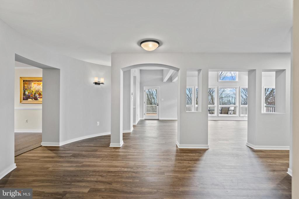 Views of the great room off entry way with new LVT - 38853 MOUNT GILEAD RD, LEESBURG
