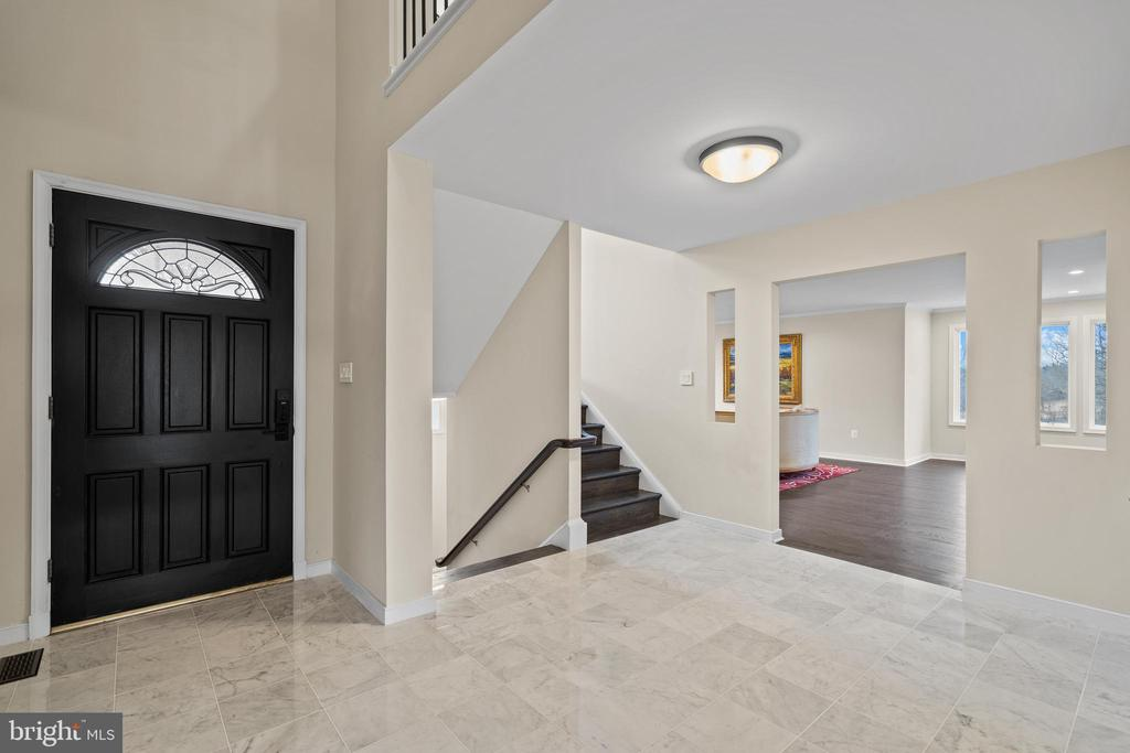 Formal two-story entry with gleaming marble floors - 38853 MOUNT GILEAD RD, LEESBURG
