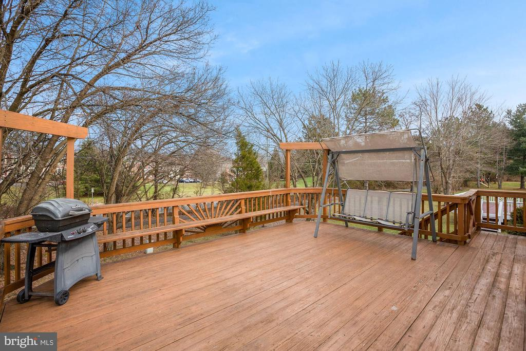 Great Sized Deck - 3862 BEECH DOWN DR, CHANTILLY