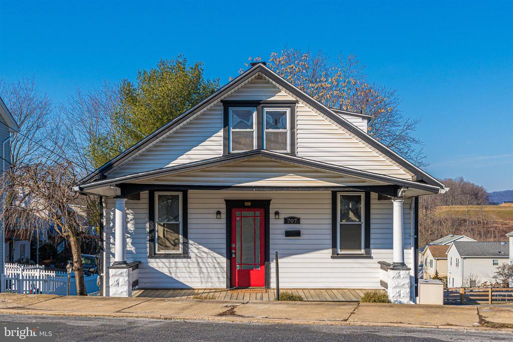 - 707 N MAPLE AVE, BRUNSWICK