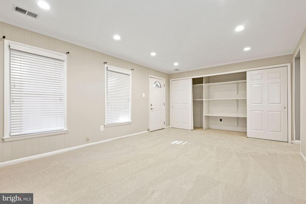 This home has incredible closet/storage space - 3145 14TH ST S, ARLINGTON