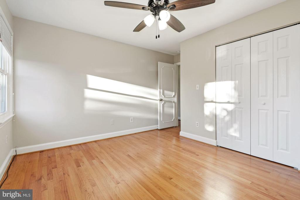 Third bedroom with large closet - 3145 14TH ST S, ARLINGTON