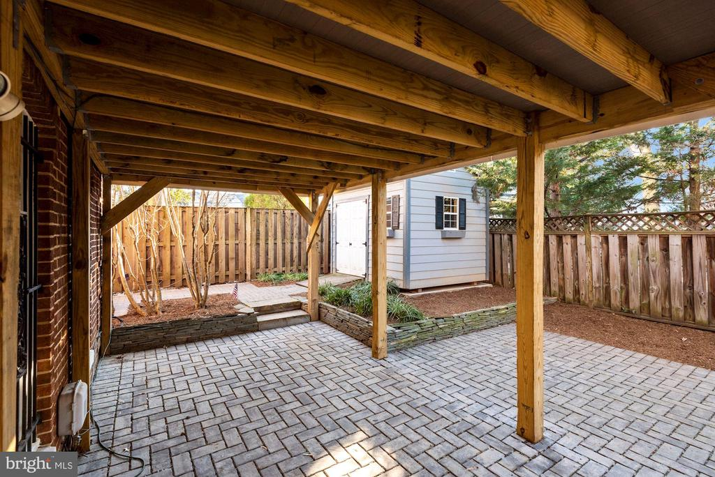 Rec Room leads to covered patio - 3145 14TH ST S, ARLINGTON