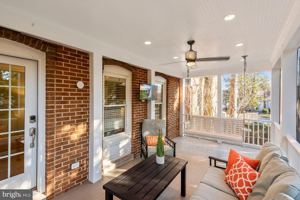 Gorgeous screened porch off Living Room - 3145 14TH ST S, ARLINGTON