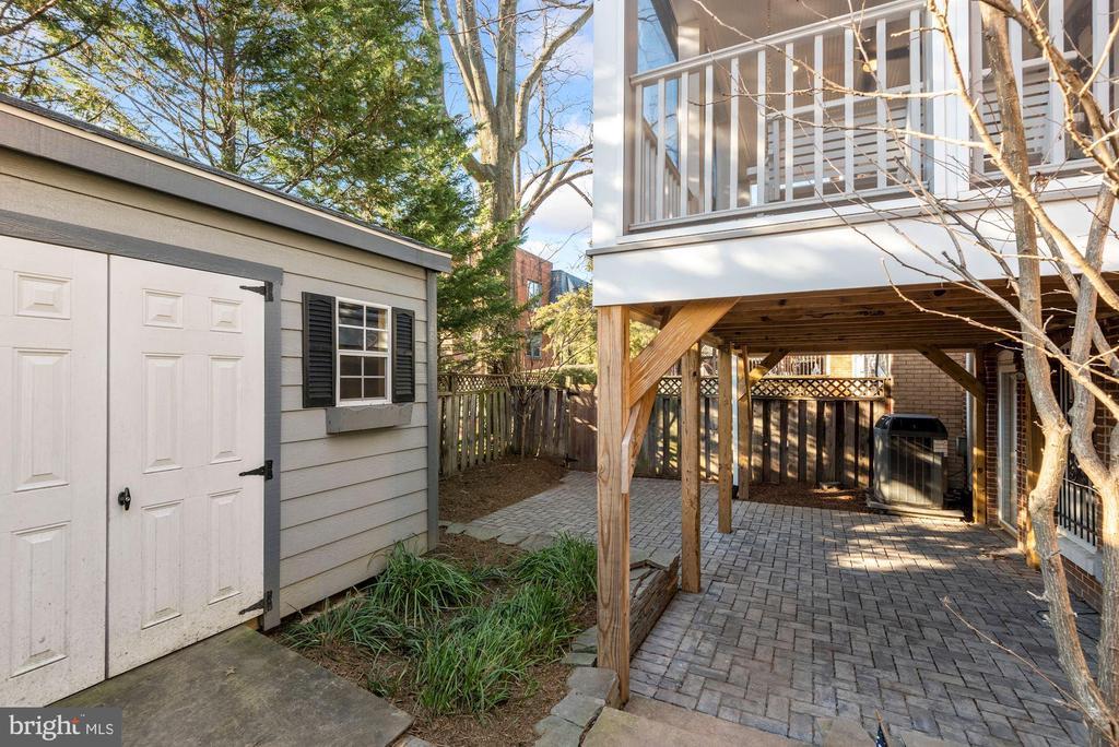 Fully fenced backyard - 3145 14TH ST S, ARLINGTON