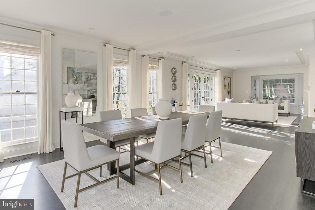 Dining and Living Areas offer Three Exposures - 2816 O ST NW, WASHINGTON