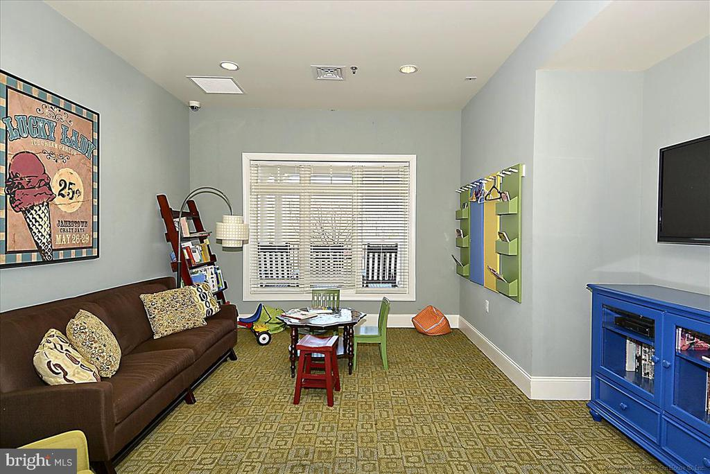 Children's play room in clubhouse - 43137 WEALDSTONE TER, ASHBURN