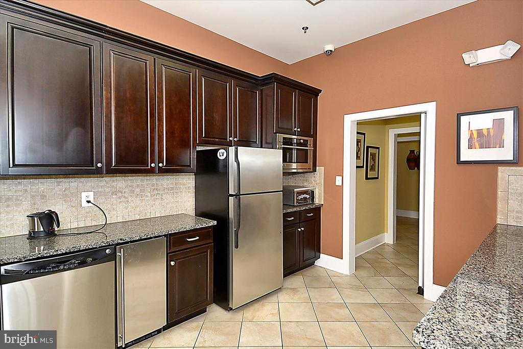 Rent the clubhouse and use the kitchen too - 43137 WEALDSTONE TER, ASHBURN